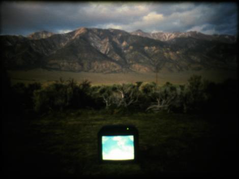 Cry when it happens, Laida Lertxundi, U.S., 2010, 14m., 16mm, color, sound